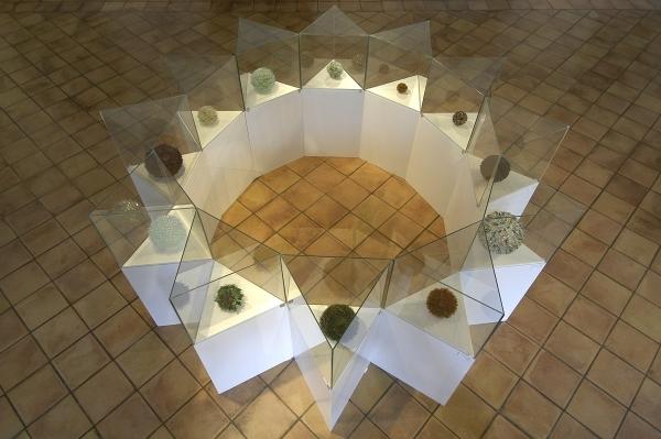 Musique des sphères, 2003-2004, 12 sphères en verre.