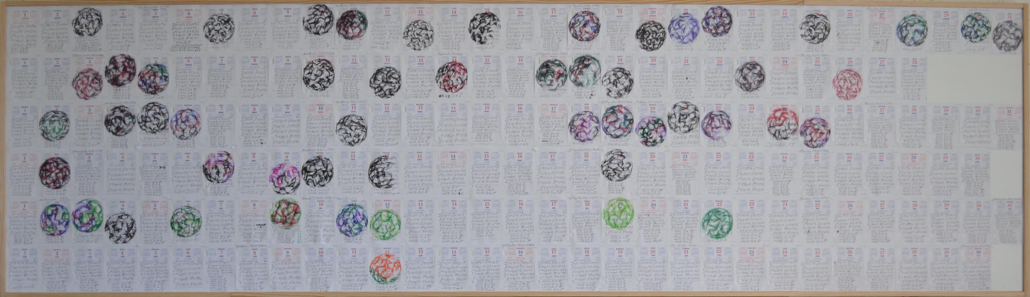 Mappemonde Ephéméride premier semestre 2013, stylo bille et stylo plume / papier / bois, 74,5 x 260 cm. Notation journalière de la position des planètes ainsi que leurs aspects, avec parfois la représentation de Mappemonde.