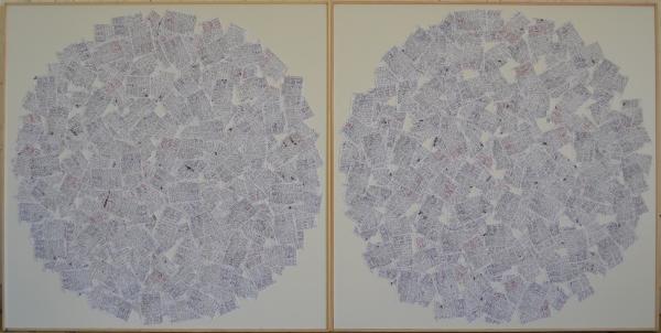 Mappemonde Ephéméride 2014, stylo plume encre noire sur papiers agrafés sur bois, 120 x 240 cm. Chaque jour de l