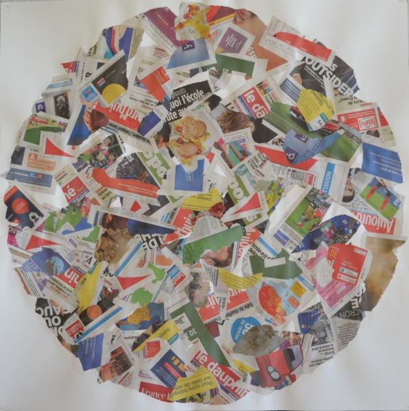Mappemonde Collage 1, collage papiers journaux sur papier, 100 x 100 cm